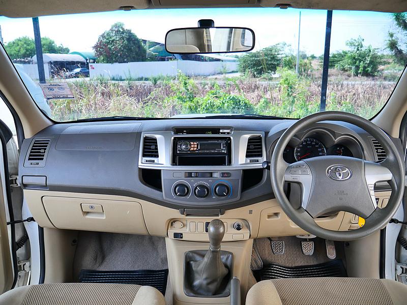 Toyota vigo 2.5G ปี2013 full