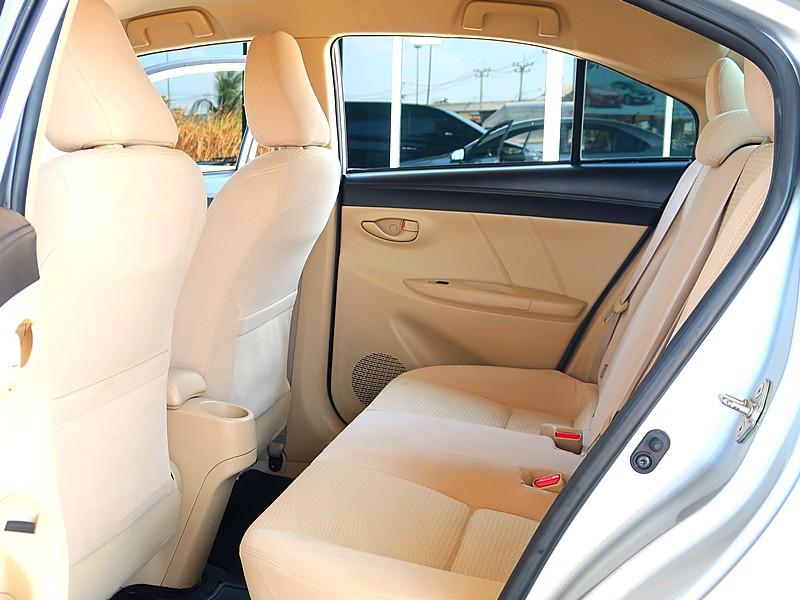 Toyota Vios 1.5E ปี2015 full