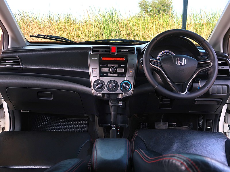 Honda City 1.5V ปี 2013 full